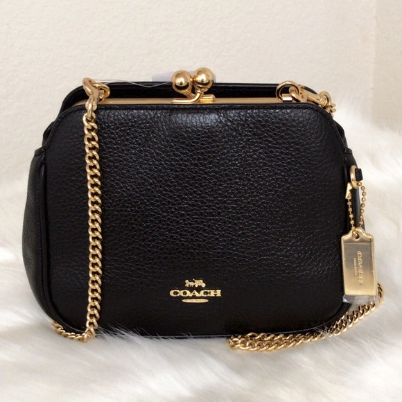 Coach Handbags - 💃COACH PEARL KISSLOCK CROSSBODY
